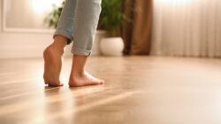 De voor- en nadelen van een elektrische vloerverwarming